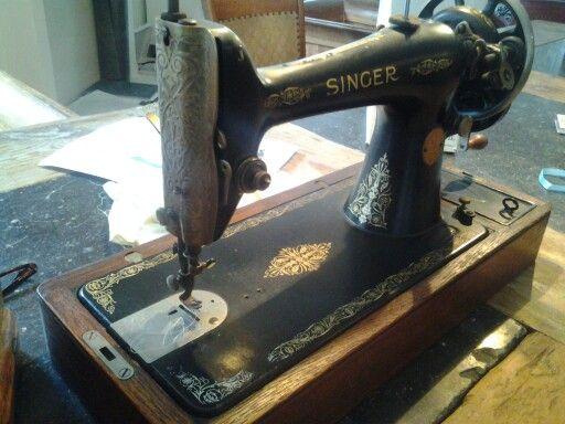 Uit 1930, van oma geweest. En....hij werkt!