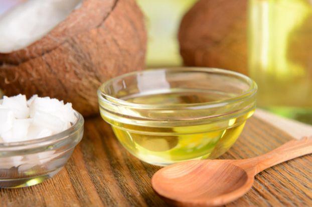Mit diesem einfachen Hausmittel bekämpfst Du Husten und löst Schleim in deinen Lungen!