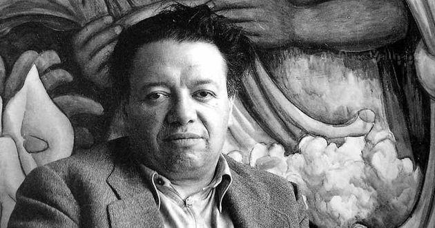 Alumnos de la UNAM hacen la ofrenda más horrible y espantosa de Diego Rivera -  Desde hace al menos un par de años las ofrendas monumentales que año con año se realizaban en el campo central de la UNAM a un costado de Rectoría y la Biblioteca Central cambiaron de sede para establecerse en la plaza de Santo Domingo a tan solo unas cuadras del Zócalo Capitalino de la Ciudad de México.            Las ofrendas realizadas por la UNAM han sido año con año un atractivo turístico y en años…