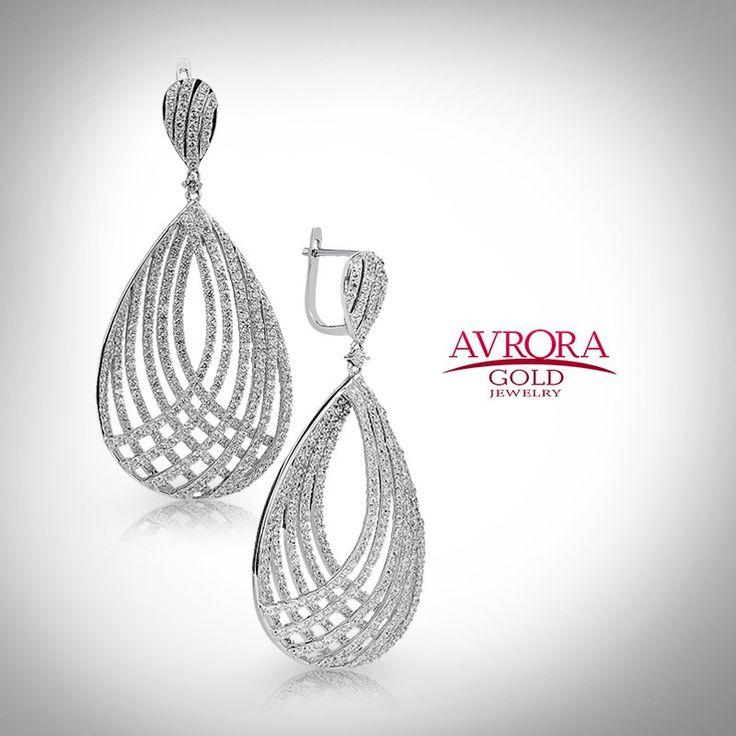 Красиво, стильно, элегантно! Лайк?  #avroragold #аврораголд #девушка #украшения #золото