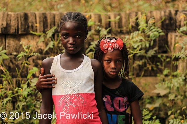 JACEK PAWLICKI - PICTURES: Senegal, Cap Skirring, Sisters, November 2015
