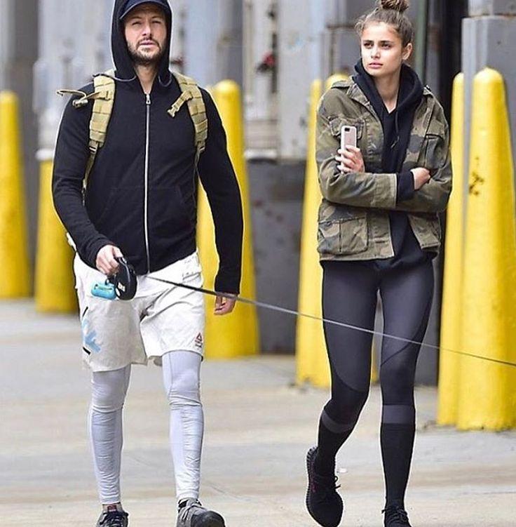 ⭐️��Самый молодой ангел  #victoriasecrets -Тейлор Хилл на прогулке с бойфрендом  Майклом Стивеном Шэнкомв NYC⭐️��09.05.2017. ��Кстати, Майкл актер и актерский агент. Парочка вместе уже 2 года.  Как вам? ---- #тейлорпиплстарс -------- ✔️#josephineskriver #taylorhill #stellamaxwell  #fashionstyle #celebritystyle #celebritylook  #glamour#yoga #hollywoodlife #celebrity #celebsfashion #celebrityblogger  #showbiz #hollywood #новостизвезд #шоубизнес #москва #россия #похудение#lpgмассаж #starnews…
