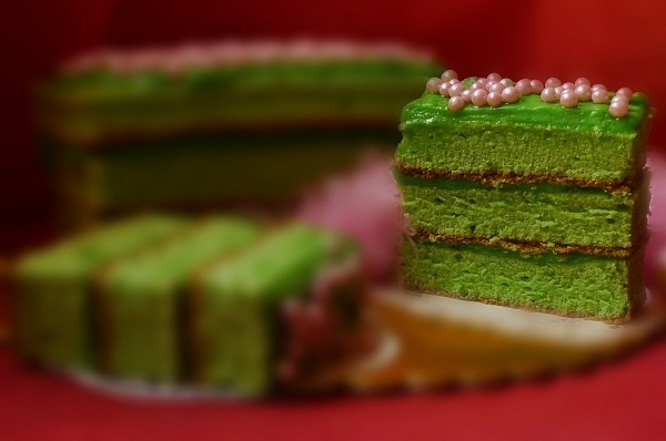 Pandan Layer Cake Custard
