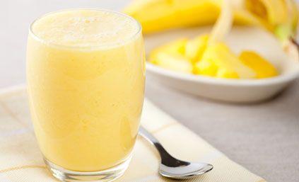 Recette Smoothie ananas-banane : Pour réaliser votre smoothie ananas-banane :1/ Coupez les bananes et l'ananas en morceaux.2/ Mettre les morceaux dans un mi...