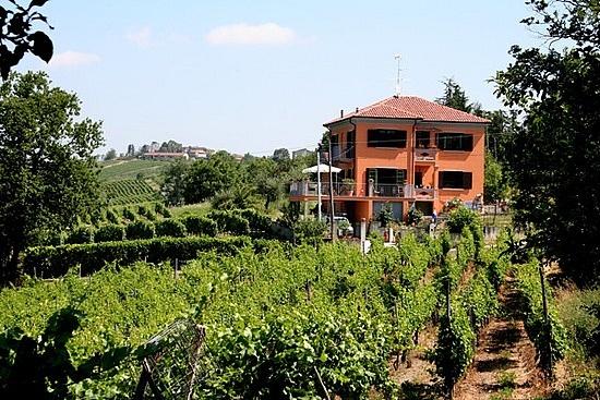 Villa in the vineyards of Lombardy in the North of Italy. Vakantiehuis Bed & Breakfast in het Toscane van Noord Italie