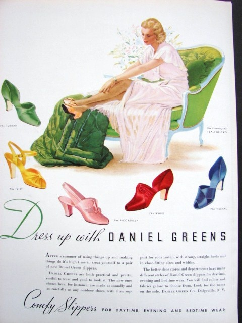 Daniel Green slippers ad probably early 40s  I ll take the pink pair please. 17 Best ideas about Daniel Green Slippers on Pinterest   Vintage