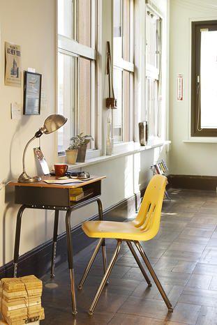【オーク】シンプルで丈夫なコユニバーサルデザイン スクールデスク:ミッドセンチュリー,ライトブラウン系,Home's Style(ホームズスタイル)のデスク・机の画像