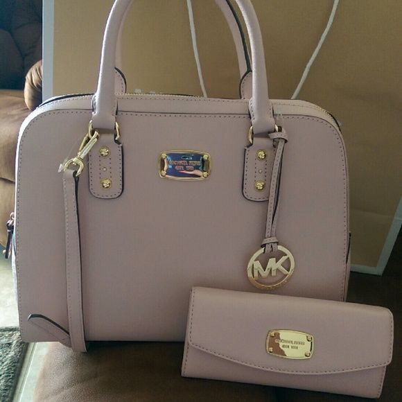Michael Kors purse with matching wallet Big and light pink (blossom) in color MICHAEL Michael Kors Bags Satchels