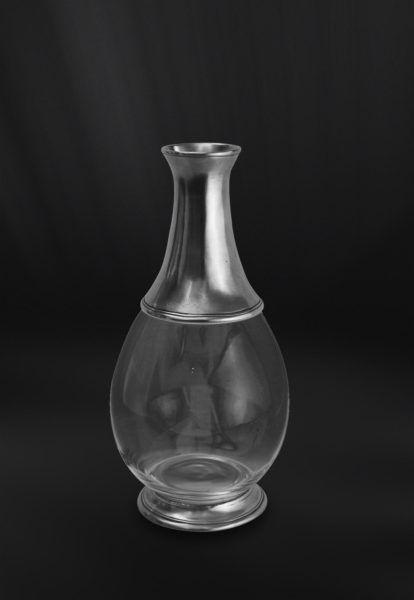 Pewter & Glass Bottle - Height: 26 cm (10,2″) - Food Safe Product - #bottle #pewter #glass #bottiglia #peltro #vetro #flasche #zinn #glas #étain #etain #verre #bouteille #peltre #tinn #олово #оловянный #tableware #dinnerware #drinkware #table #accessories #decor #design #bottega #peltro #GT #italian #handmade #made #italy #artisans #craftsmanship #craftsman #primitive #vintage #antique