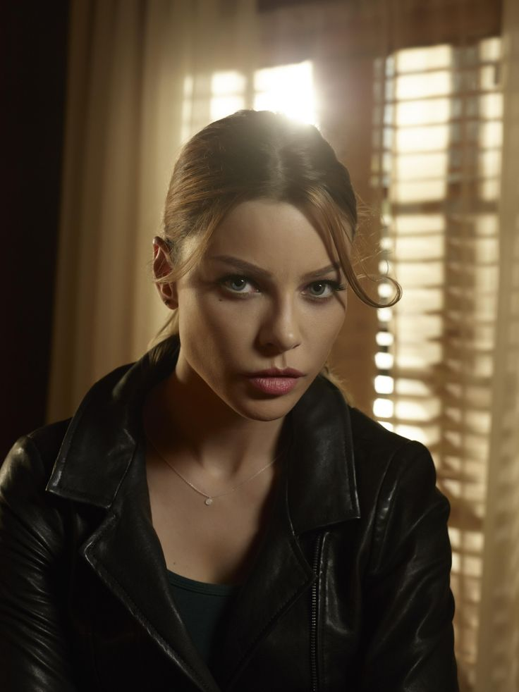 "Lucifer S1 Lauren German as ""Chloe Decker"""