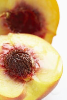 how to open a nectarine pit