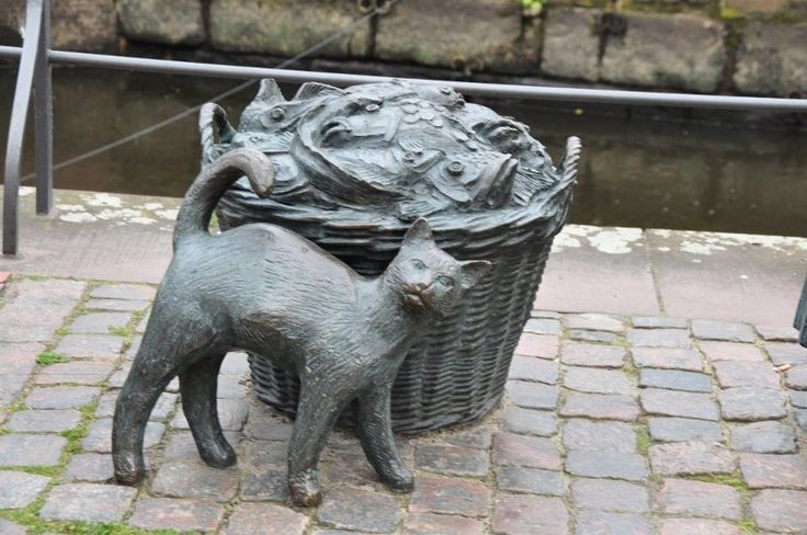 Cat statue, Stade, Germany