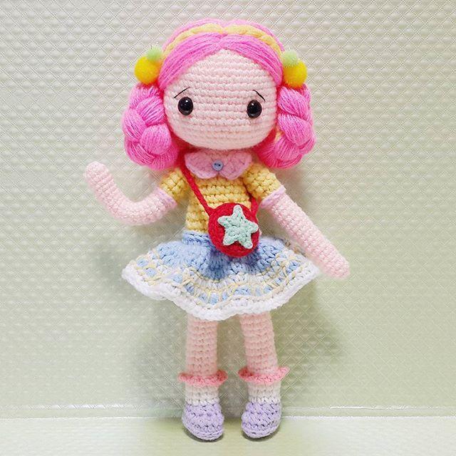 엠버 바느질.. ㅜㅜ 내단추는 왜자꾸 돌아가는것인가... ㅋ . . . . #crochet#amigurumi#뜨개질#haken#by_me#knitting#kawaii#엠버#craft#yarn#iloveit#코바늘#ganchillo#custom#손뜨개#취미#crochetdoll#코바늘인형#손뜨개인형#인형#핸드메이드#instacrochet#diy#doll#toy#amigurumidoll#dollstagram#あみぐるみ