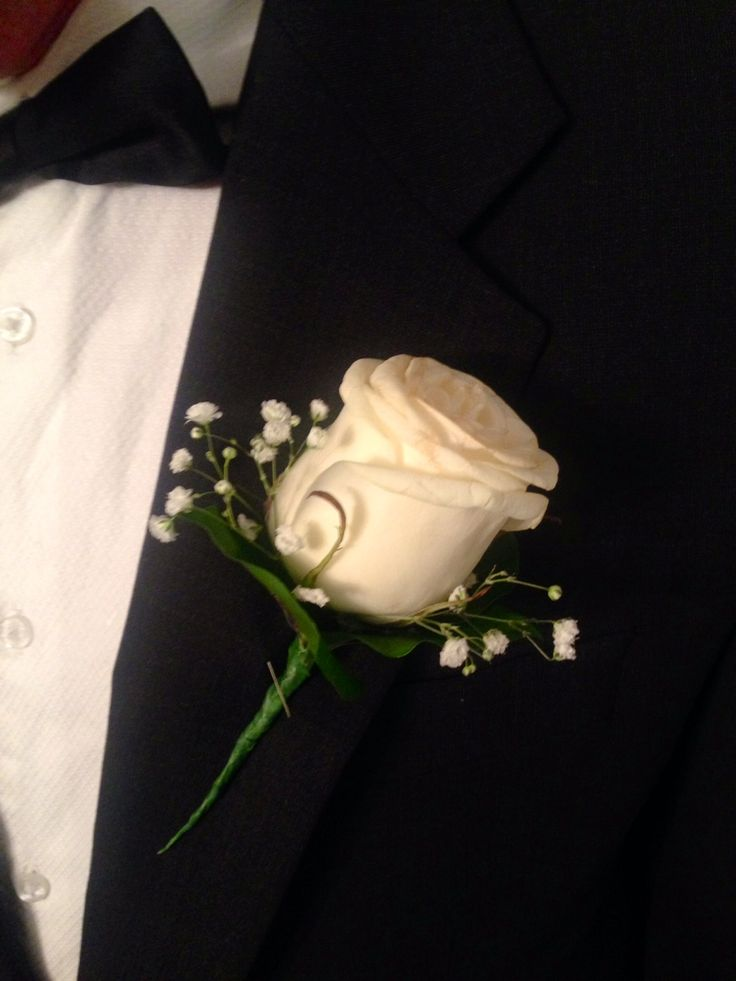 Gentleman's flower buttonhole, boutonniere, debs flowers, prom flowers, white rose and baby's breath buttonholes, white rose and gyp buttonholes, florist cork, unforgettable flowers cork