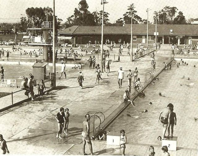 Another 44+ degree day at the #BeliefMedia offices (112F). This pic of a hot day at Liverpool Pools in 1971 #sydney #history #sydneyheatwave http://fat.ly/c9el (Instagram Image from @beliefmedia, 11th February 2017 3:11pm).