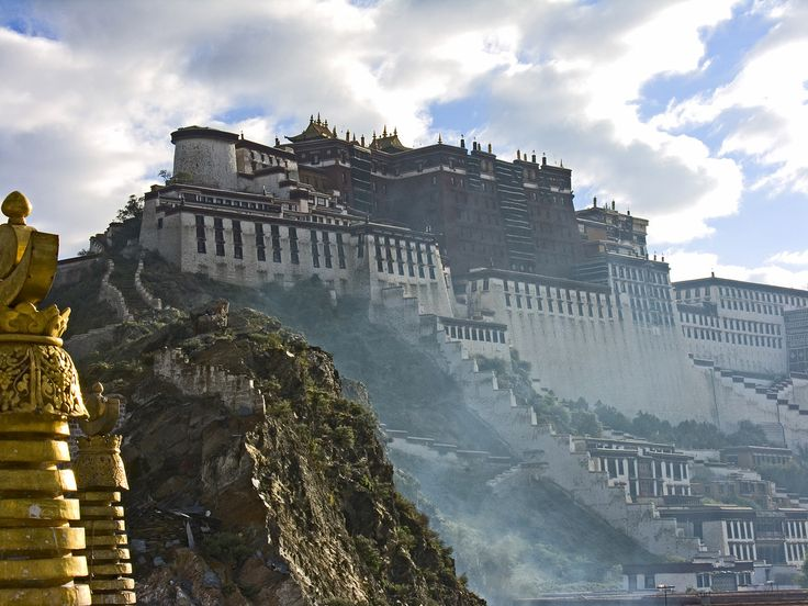 Potala Palace, Tibet ... too bad they don't allow anyone in Tibet.. damn Chinese: Vintage Posters, Funny Pictures, Dalai Lama, Beautiful, Castles, Places, Tibet, Potala Palaces, Pictures Day