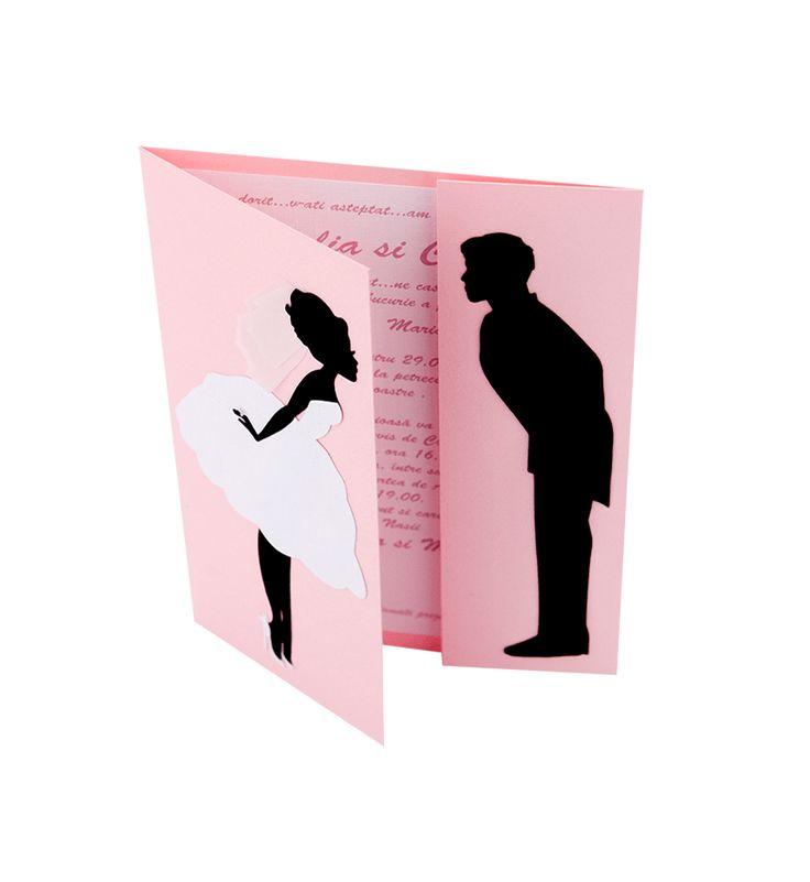 nvitatie nunta realizata din carton de culoare roz cu model mire si mireasa realizat din carton aplicat manual #Nunta #Wedding