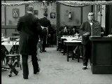 """""""Rire ou ne pas rire : les paradoxes de la comedie"""" présenté par Jacqueline Nacache.  Jacqueline Nacache est professeur d'histoire et d'esthétique du cinéma à l'université Paris-Diderot. Spécialiste du cinéma américain de l'âge d'or, elle a notamment publié """"Lubitsch"""" (Éd. Edilig, 1987), """"Le film hollywoodien classique"""" (Éd. Nathan, 1995), """"L'Acteur de cinéma"""" (Éd. Nathan, 2003)."""