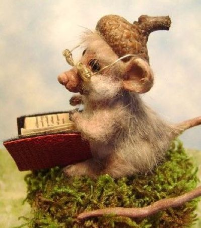 Needle felted acorn book-mouse...