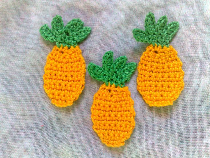 Ich freue mich, den jüngsten Neuzugang in meinem #etsy-Shop vorzustellen: Ananas Frucht Häkelapplikation, falsche Lebensmittel Obst häkeln zum Verzieren von Kleidung und Hüten http://etsy.me/2mXr44n #materialwerkzeug #gelb #babyparty #nahen #nein #grun #ostern #hakeln