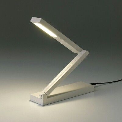 LED平面発光コンパクトデスクライト 型番:LE‐R3150/無印
