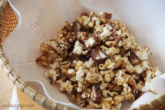 Snickers Popcorn  Ingredients 8 quarts air popped corn (about 2 cups of kernels) 1 cup salted butter 2 cups light brown sugar, packed 1 teaspoon salt 1/2 cup light corn syrup 1 teaspoon baking soda…