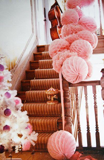 Paper Decoration Chic from www.PearlandEarl.com - 11.11.04-LivingEtc2