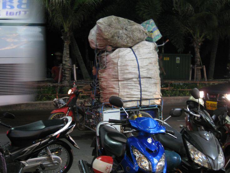 Vrachtvervoer, probeer dit maar eens in Nederland :-)