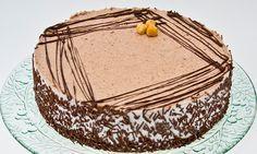 Torta delicata nocciola e cioccolato