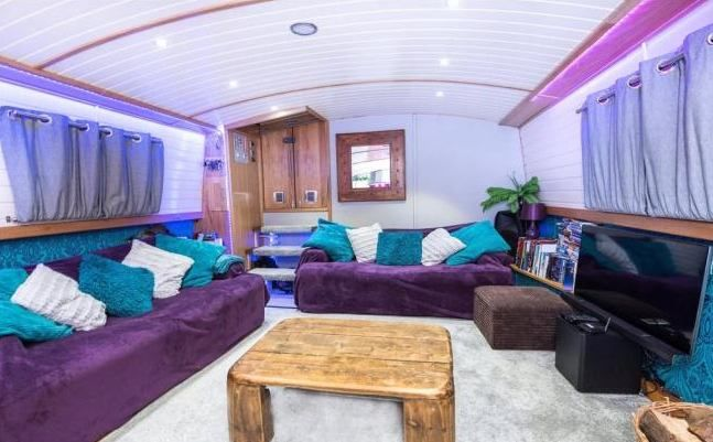 'Stunning Houseboat in Central London' Room to Rent from SpareRoom