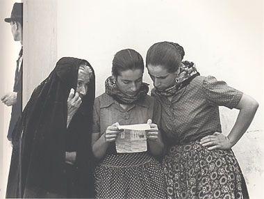 Fulvio Roiter: Sicilia, la lettera, 1953