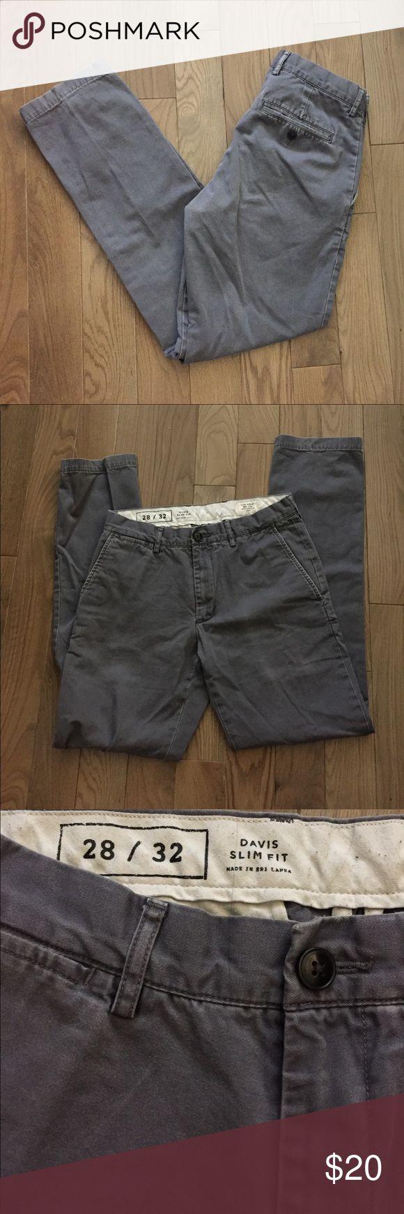 Club Monaco Davis Slim Chino Davis Slim Chinos Size: 28x32 Color: Grey Fading and wear from normal use Club Monaco Pants Chinos & Khakis