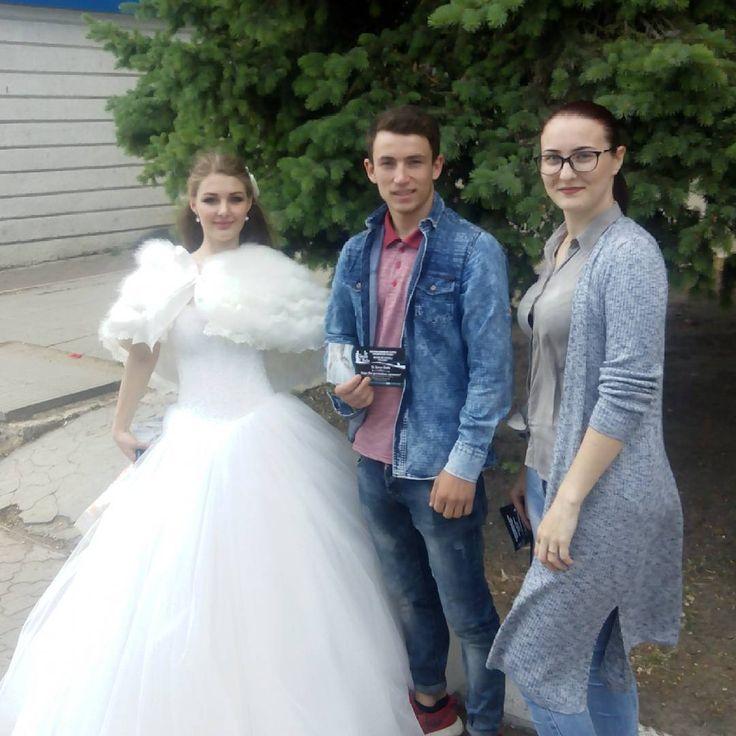 Выдавали Леру замуж �� #Бельцы #деньгорода #студенты #туристы #невеста #balti #students #bride http://gelinshop.com/ipost/1521518826464928501/?code=BUdhU-yguL1