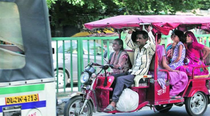 Hit by an e-rickshaw, child slips out of mother's arms into pan of boiling oil - SLSE India - Indian Business and Service Portal