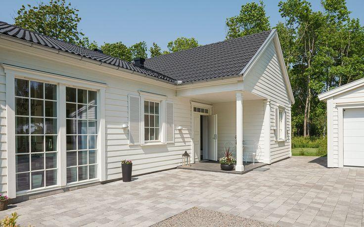 """New England hus A2877  """"Alla familjer är olika – därför är varje Willa Nordic unikt!"""" www.willanordic.se"""