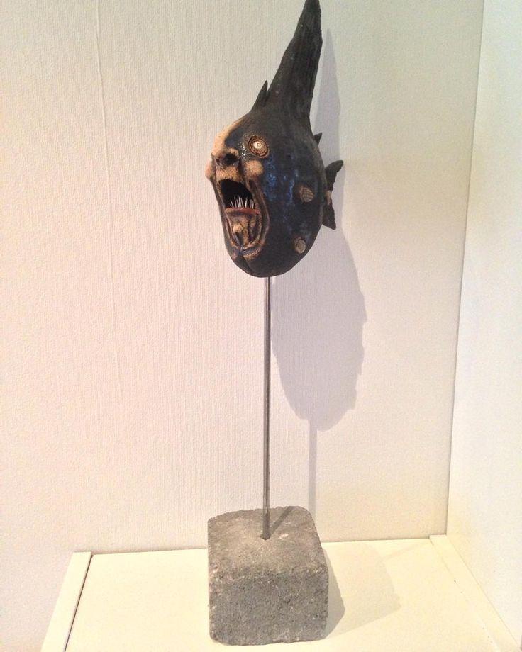 #olemartinskaug #keramikk #ceramics #norskkunsthåndverk #kunst #fisk #uglyfish #funnyfish #art En av Ole Martin Skaugs fantastiske figurer  by eirin.edv