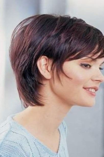 Frisuren Bob Stufig Kurz Httpbeste Frisurinfofrisuren Bob