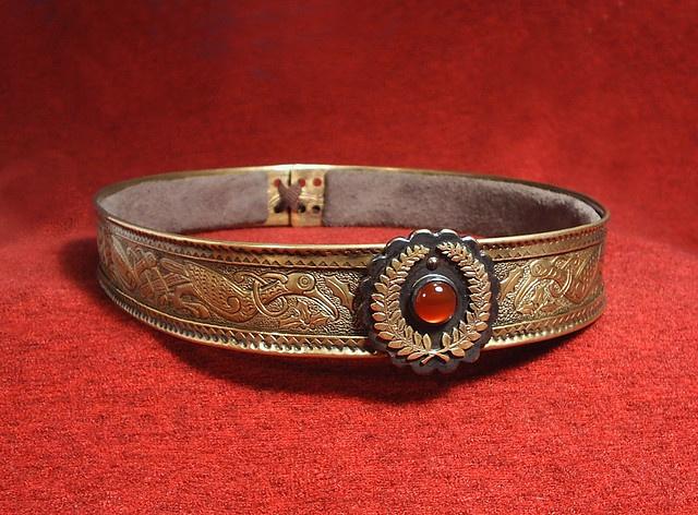 3d520439d4805fb3d704b08c8ea39110--victorian-dresses-amulets.jpg