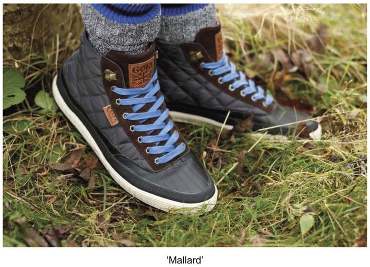 La nuova collezione comprende una vasta gamma di stivali, con una varietà incredibile di stili. I modelli 'Ridge' e 'Gamma' sono ispirati alle escursioni e passeggiate, alla moda Fair Isle e fodere a spina di pesce.