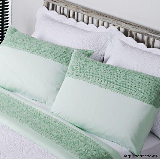 Almohadas de encaje Decoración crochet.  Las ideas y los esquemas (1) (559x554, 155 Kb)