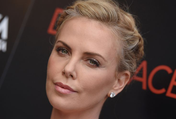 How Did These Famous Ex-Smokers Kick the Butts?: Charlize Theron