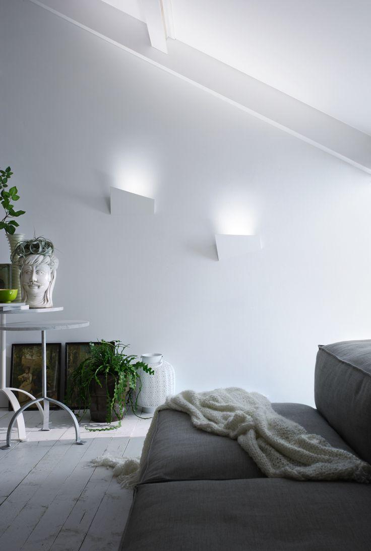 Applique in alluminio VERSO by LUCENTE - Gruppo Rostirolla | design Mario Mazzer