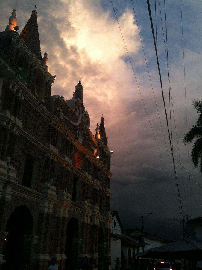 Atardecer Santafe de Antioquia by Yiya Gómez on 500px
