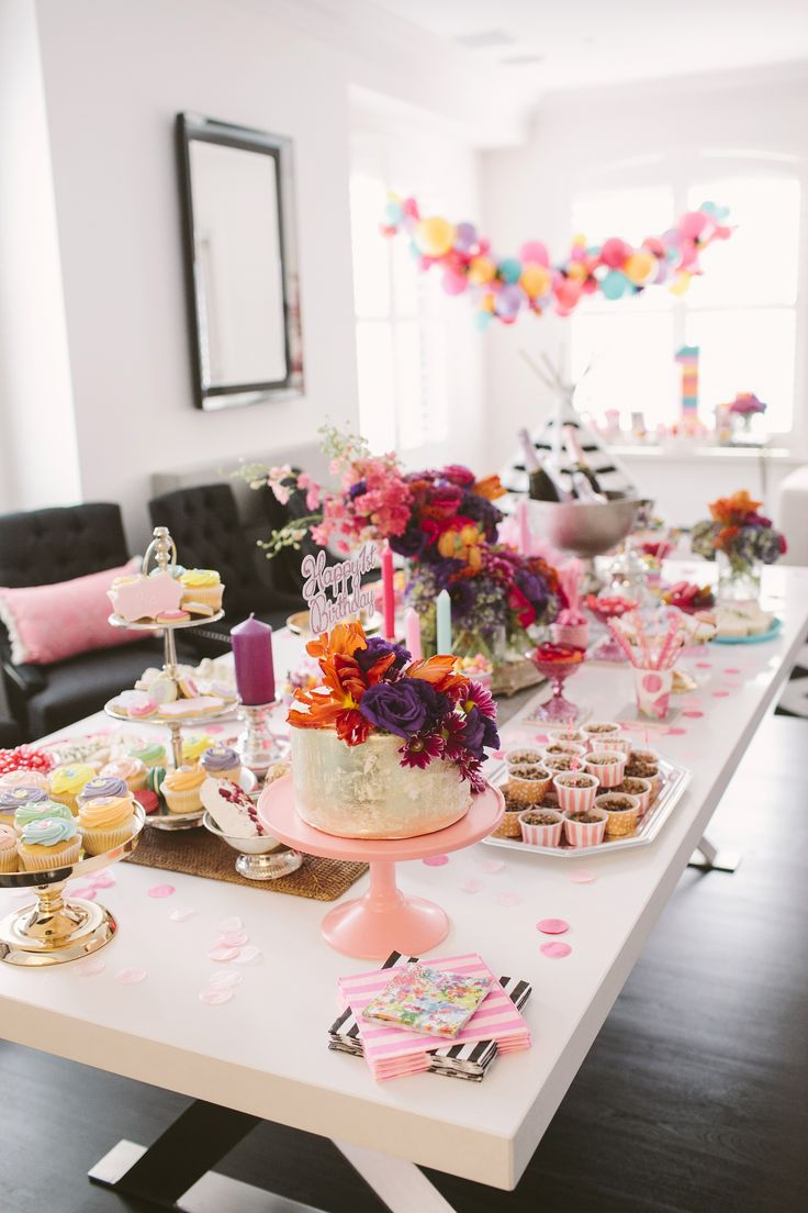 Elegant birthday table decorations - Mia Grace From She Is Sarah Jane Celebrates Her First Birthday With A Stylish Colourful Affair Nice Birthday Table