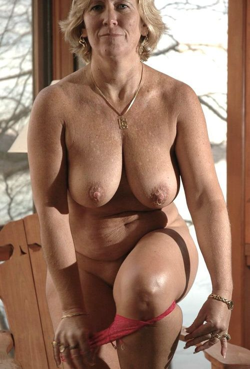 sexy mature ladies porn Nude Mature Women and Sexy Naked Ladies Pics.