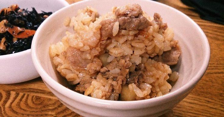 炊く&炒めるでれんこんシャキシャキ。 具とご飯をわけて調理します (;゜∇゜)見栄えは茶色いけどいっぺん食べてください!