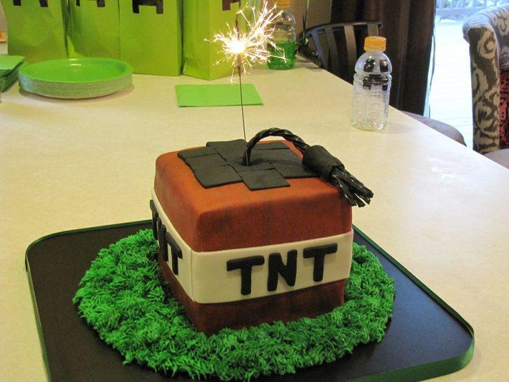 TNT cake and Steve heads