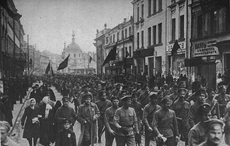 1917 Russian Revolution - The army joins the people