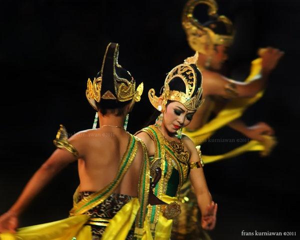 Rama, Shinta, and Laksmana. Ramayana Ballet@Prambanan Theatre