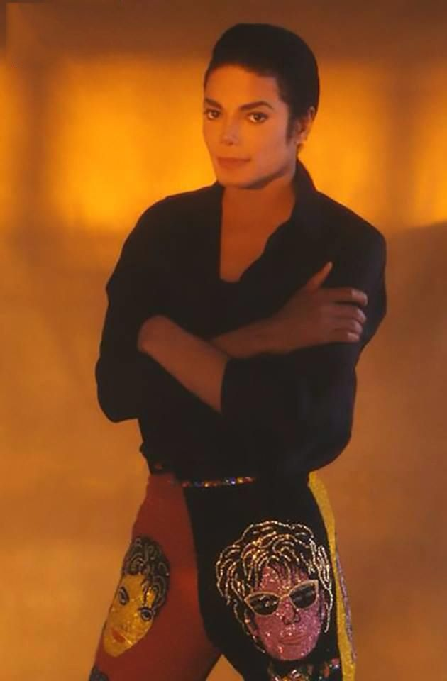 New Michael Jackson pictures from Herb Ritts have emerged!    http://mjvibe.com/News/2014/05/17/new-michael-jackson-pictures-from-herb-ritts-have-emerged/